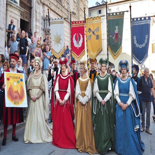 Auguri di Buona Pasqua da Perugia 1416